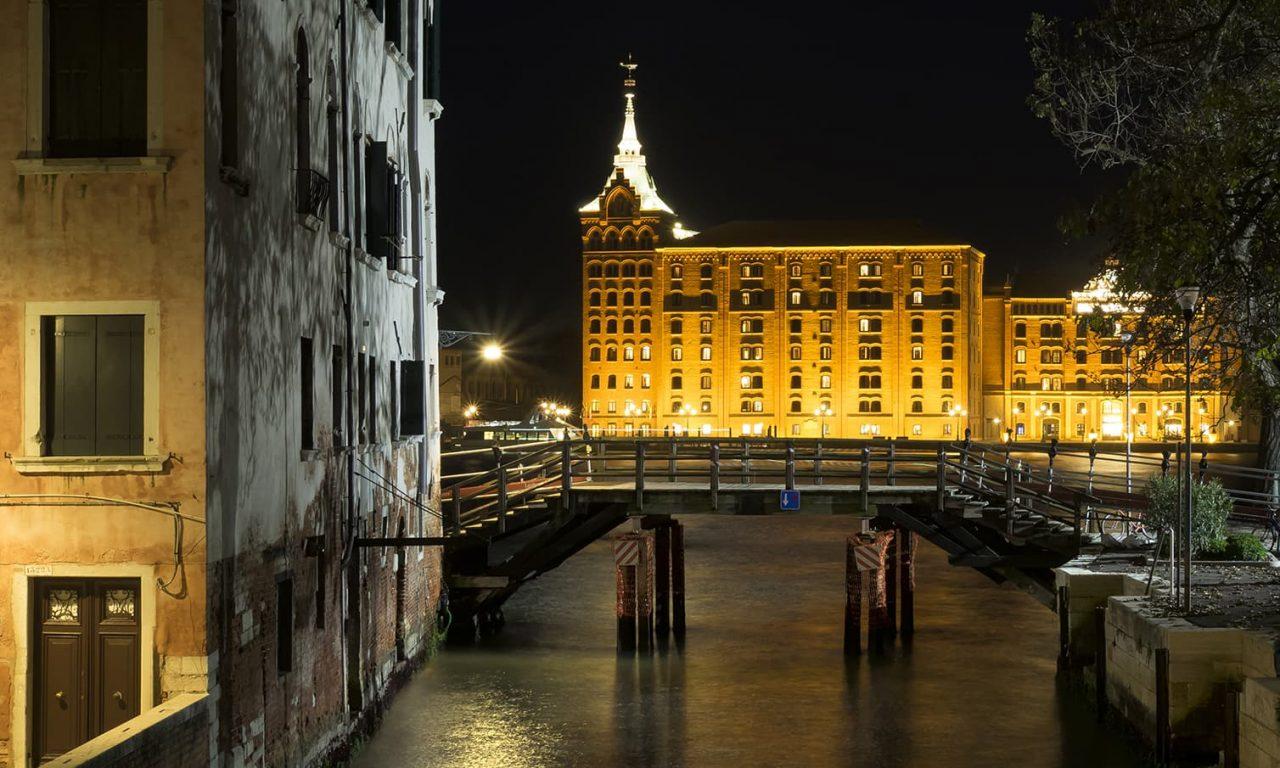 Passeggiata fotografica serale a Venezia