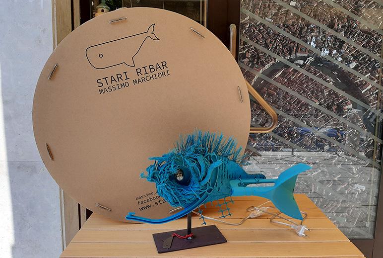 """Stari Ribar, le lampade """"pesce"""" di Massimo Marchiori"""