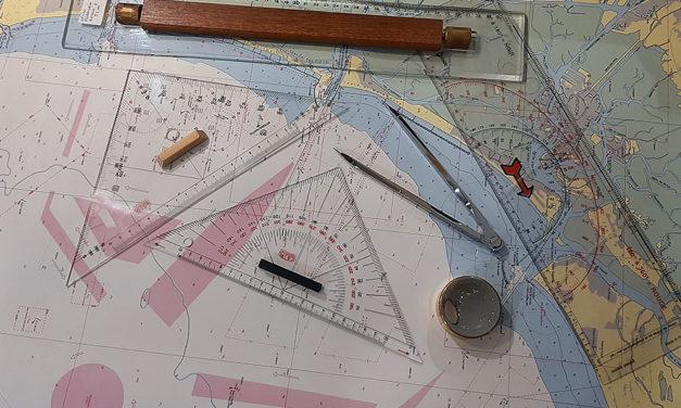5 attrezzi da carteggio indispensabili per navigare